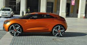 汽车概念将来的还原renault 免版税库存照片