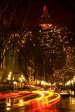 汽车气体晚上城镇BC落后温哥华 免版税库存照片