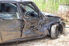 汽车汽车极大冲突的失败有高速公路被冰的速度 免版税库存图片