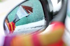 汽车清洁视窗 库存照片