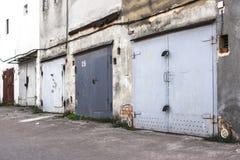 汽车的两层车库 库存照片