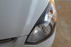 汽车的前灯 免版税库存照片