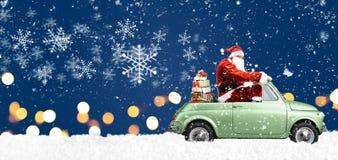 汽车的圣诞老人 免版税库存照片
