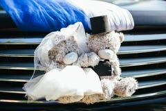 汽车的婚礼装饰 免版税库存照片