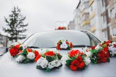 汽车的婚礼装饰 免版税库存图片