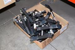 汽车的安全带的锁在装配车间的一个箱子在  库存照片