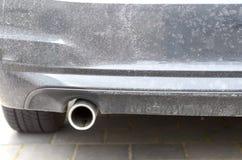 汽车的排气管的低角度视图 库存照片