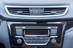 汽车的控制台上的控制板 库存图片