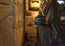 汽车的正确的镜子 免版税库存照片