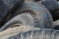从汽车的老轮胎 免版税图库摄影