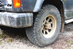 汽车的肮脏的零件在极端驾驶的 库存照片