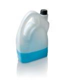 汽车的蓝色液体在白色的罐 免版税库存照片