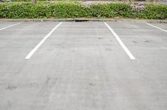 汽车空的公园 免版税图库摄影