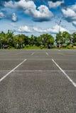 汽车空的公园 库存照片