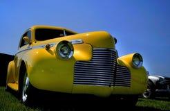 汽车经典黄色 库存照片