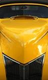 汽车经典黄色 库存图片