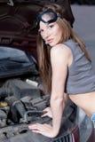 汽车维修服务妇女 免版税图库摄影