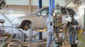 汽车维修车间,汽车推力 股票视频