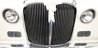 汽车老葡萄酒婚礼 免版税库存图片