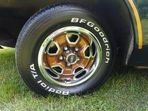 汽车老轮胎 库存照片