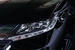 汽车车灯,现代和豪华汽车车灯 外部细节 免版税库存照片