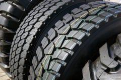汽车轮胎或橡胶为工业农业收割机转动 库存照片