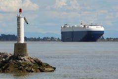 汽车运载船fraser货轮河 库存图片