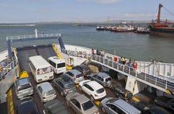汽车运输通过轮渡`埃琳娜`的刻赤海峡 免版税库存照片