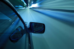 汽车速度夜驱动 库存照片