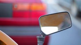 汽车镜子的特写镜头 股票视频