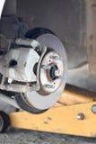 汽车闸圆盘的被修理的设备 库存照片