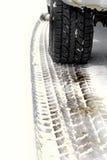 汽车防滑轮胎跟踪 库存图片