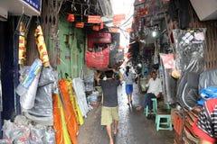 汽车零件在Malik市场存放在加尔各答 库存图片