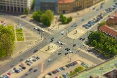 汽车鸟瞰图在一个公路交叉点的在柏林cit街道  免版税库存图片