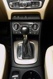 汽车gearstick 免版税库存图片