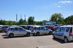 汽车LADA汽车经销商在Dainava中心站点 voronezh 俄国 库存照片