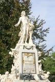 沃尔夫冈・阿马德乌・莫扎特,维也纳,奥地利雕象在1896年修造了 免版税库存照片