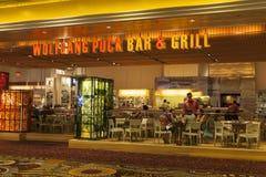 沃尔夫冈顽童酒吧和烤肉在米高梅在拉斯维加斯, NV 8月06日 库存照片