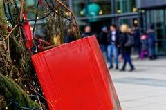 沃尔夫斯堡,下萨克森州,德国, 2017年12月18日:被包裹的红色 图库摄影