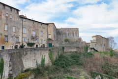 沃尔泰拉,意大利 古老中世纪大厦在一个冬日 免版税库存照片