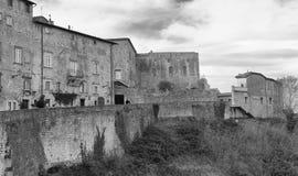 沃尔泰拉,意大利 古老中世纪大厦在一个冬日 免版税库存图片