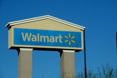 沃尔码商店广告牌在金曼亚利桑那 免版税库存照片
