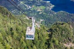 从沃热尔缆车上面驻地,斯洛文尼亚的湖Bohinj 免版税库存图片
