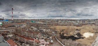 沃罗涅日工业区都市风景全景  从rooft的看法 免版税库存照片