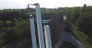 沃罗涅日,俄罗斯,对第二次世界大战的飞机的纪念碑 天线 股票视频