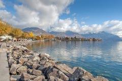 沃韦,瑞士- 2015年10月29日:堤防风景在沃韦,沃州小行政区  免版税库存图片