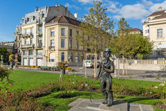 沃韦,瑞士- 2015年10月29日:查理・卓别林纪念碑在沃韦,瑞士镇  库存照片