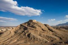 沈默琐罗亚斯德教的塔在Yazd,伊朗 库存图片
