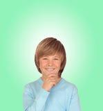 沉思青春期前的男孩 免版税库存照片