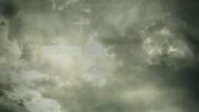 阴沉的云彩背景圈 向量例证